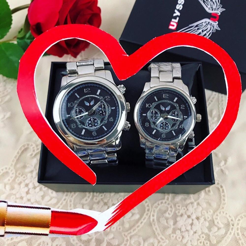 OFERTA SOC! Doar 119 RON Set 2 ceasuri el si ea din metal argintiu cu cadran negru + CUTIE CADOU