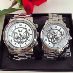 OFERTA SOC! Doar 119 RON Set 2 ceasuri el si ea din metal argintiu cu cadran alb + CUTIE CADOU