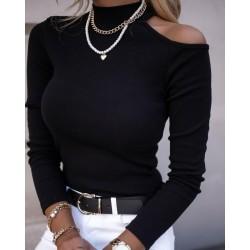 Bluza dama basic neagra reiata cu umar decupat