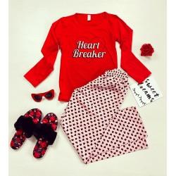 Pijama dama din bumbac ieftina cu pantaloni roz si bluza cu maneca lunga rosie cu imprimeu Heart Breaker