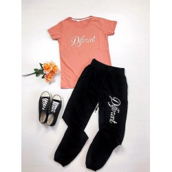 Trening dama lung ieftin negru cu roz cu tricou si imprimeu Different