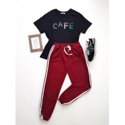 Compleu dama casual COMBO din pantaloni lungi dungi laterale visiniu + tricou Cafe negru