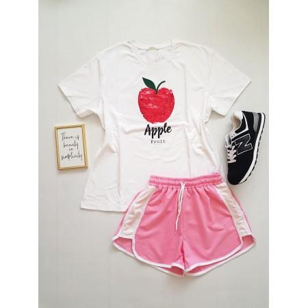 Compleu dama casual COMBO din pantaloni scurti roz banda laterala alba + tricou Apple alb