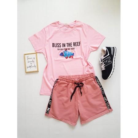 Compleu dama casual COMBO din pantaloni scurti roz scris + tricou peste roz