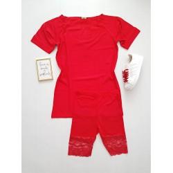 Compleu dama ieftin din bumbac compus din pantaloni scurti cu dantela si tricou lejer rosu