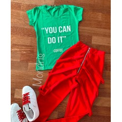 Compleu dama casual compus din pantaloni lungi rosii cu bretele si tricou verde You can do it