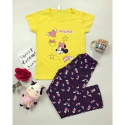 Pijama dama ieftin din bumbac cu tricou galben si pantaloni gri inchis cu imprimeu MM Stea