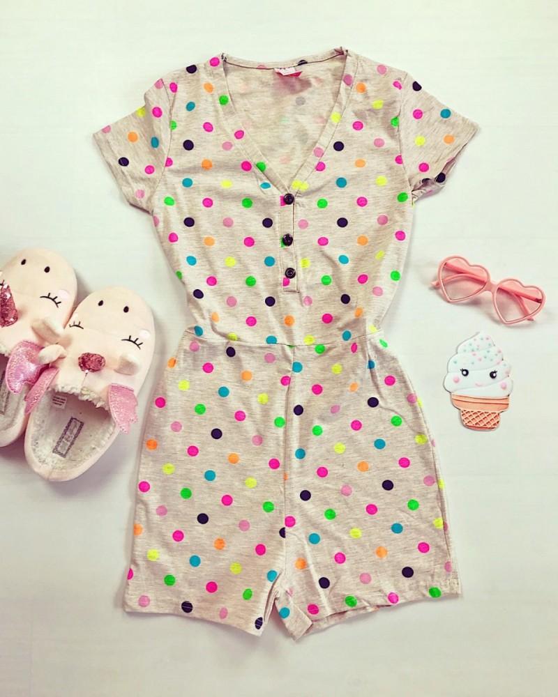 Pijama dama scurta tip salopeta gri cu nasturi si imprimeu buline colorate