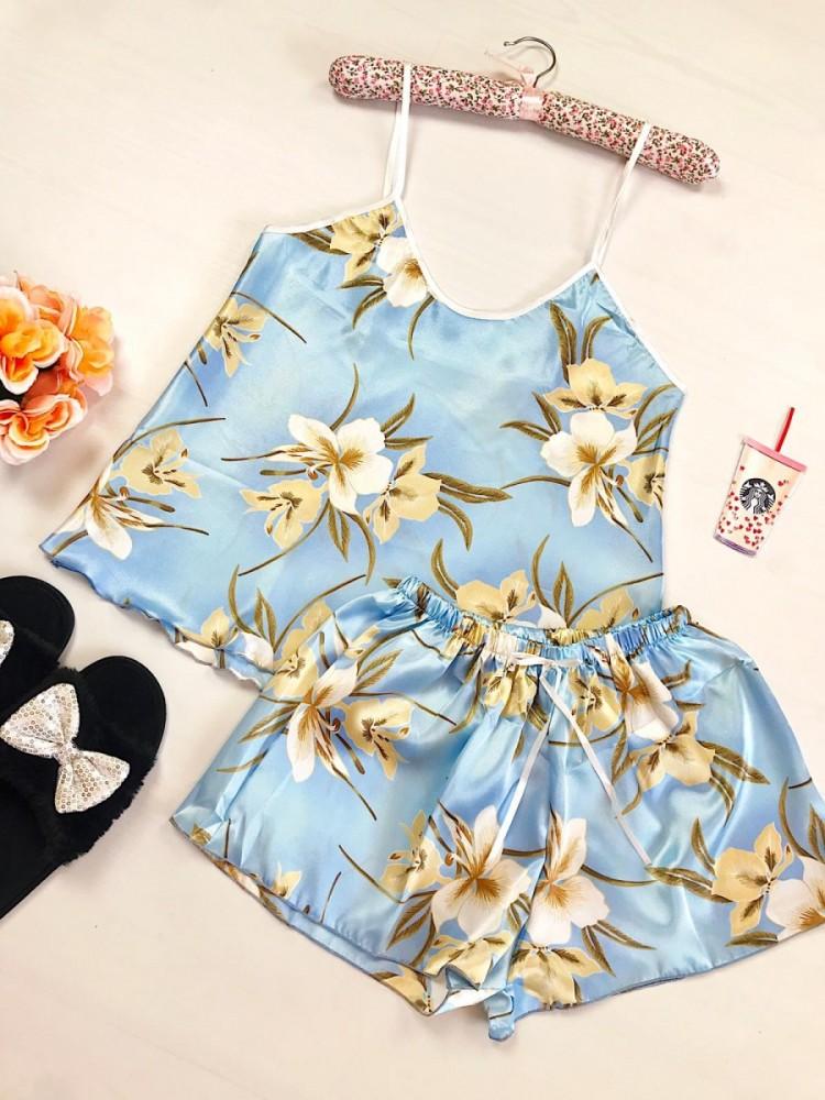 Pijama dama ieftina primavara-vara albastru deschis din satin lucios cu imprimeu Lily
