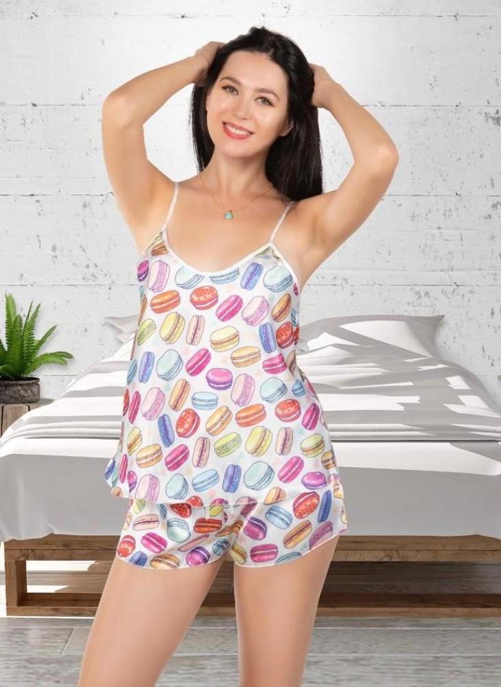 Pijama dama ieftina primavara-vara alba din satin lucios cu imprimeu Macaroons