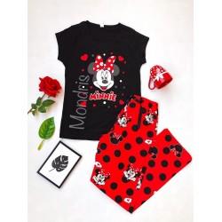 Pijama dama ieftina cu pantaloni lungi rosii cu buline si tricou negru cu imprimeu MM