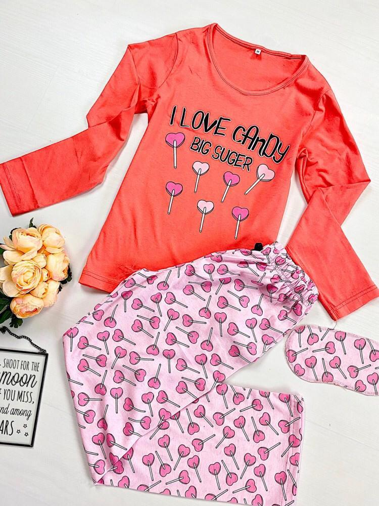 Pijama dama ieftina din bumbac cu pantaloni roz si bluza cu maneca lunga corai cu imprimeu Candy