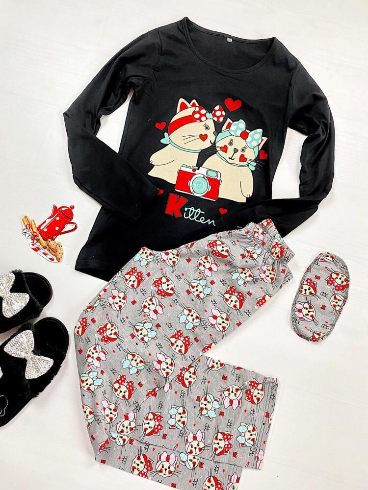 Pijama dama ieftina din bumbac cu pantaloni gri si bluza cu maneca lunga neagra cu imprimeu Kitten