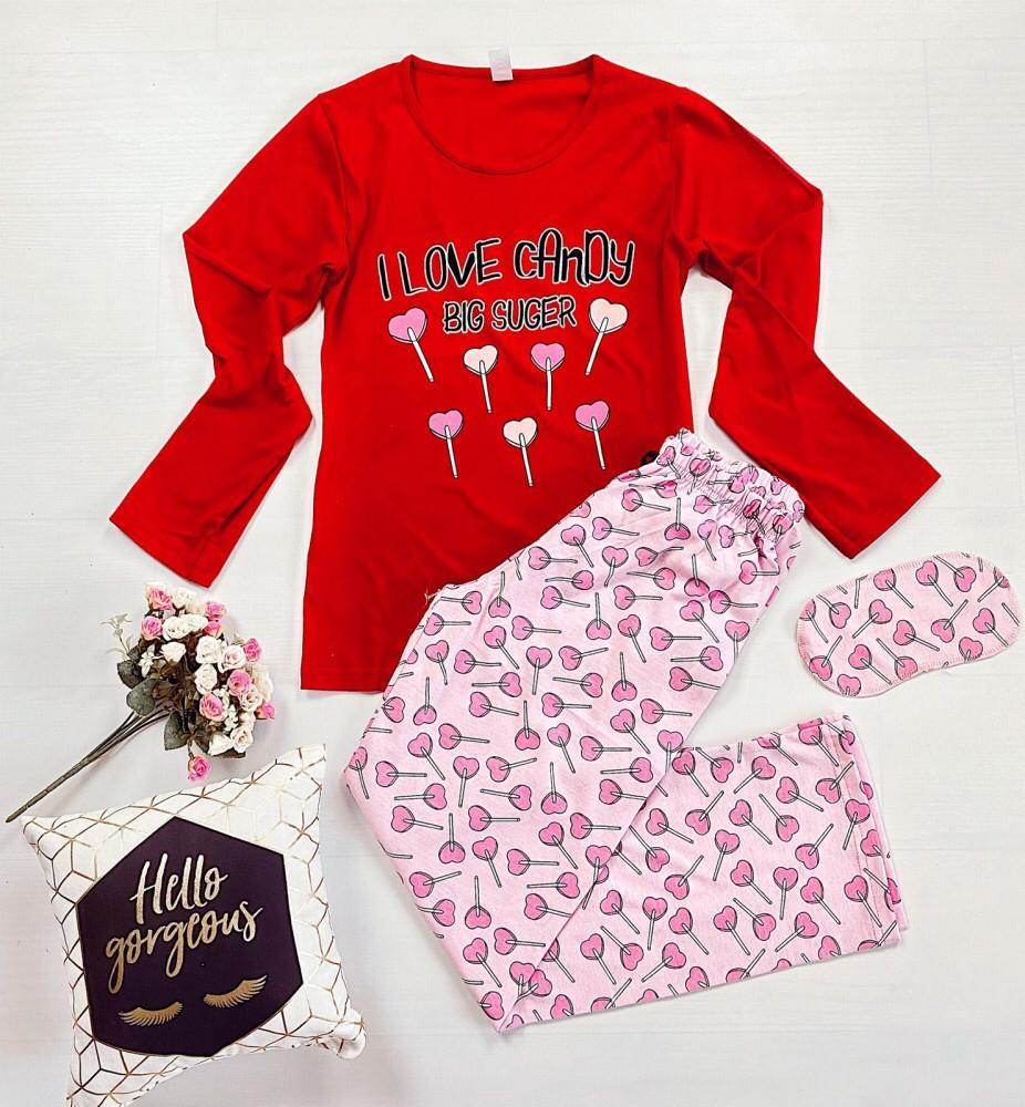 Pijama dama ieftina din bumbac cu pantaloni roz si bluza cu maneca lunga rosie cu imprimeu Candy