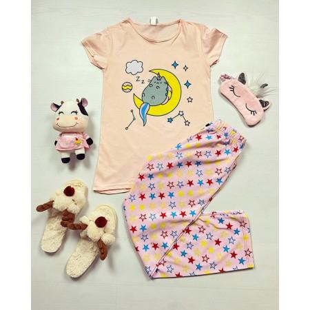 Pijama dama ieftina bumbac cu pantaloni lungi roz si tricou roz cu imprimeu Luna