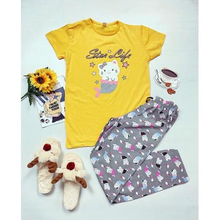 Pijama dama ieftina primavara-vara cu tricou galben si pantaloni gri cu imprimeu Star life