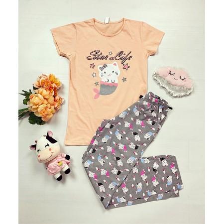 Pijama dama ieftina primavara-vara cu tricou roz si pantaloni gri cu imprimeu Star life