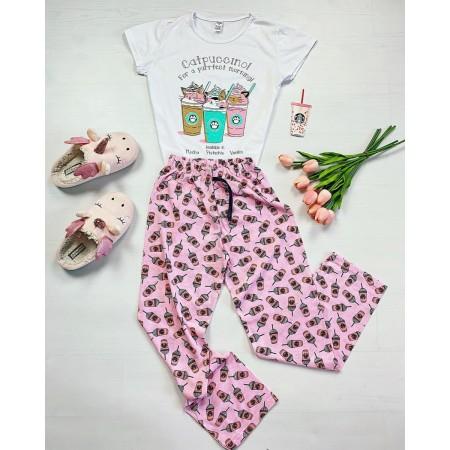 Pijama dama din bumbac ieftina cu pantaloni lungi roz si tricou alb cu imprimeu Catpuccino