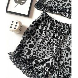Pijama dama gri ieftina scurta cu maieu cu volanase si imprimeu animal print