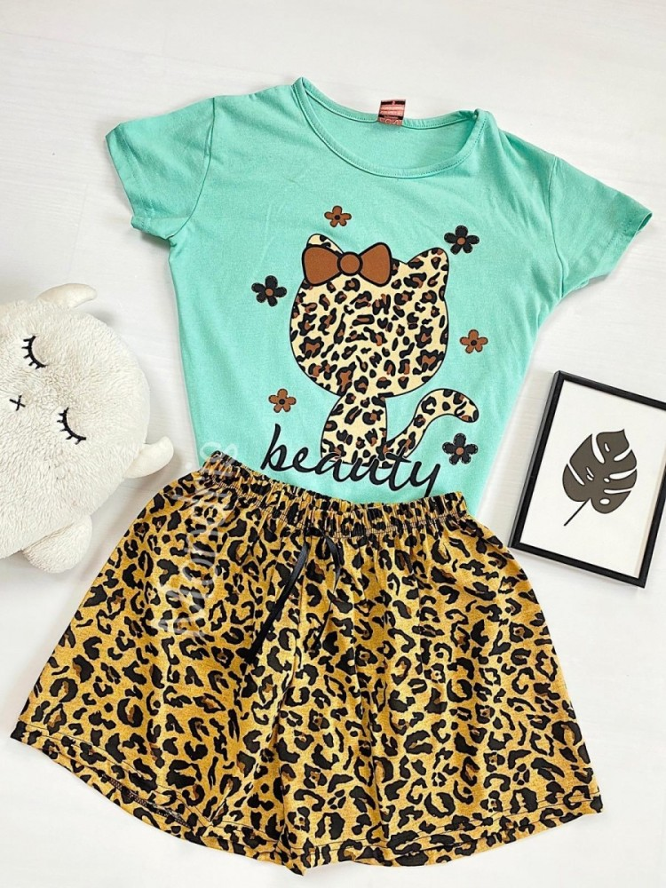 Pijama dama ieftina cu tricou trucoaz si pantaloni scurti cu imprimeu HK animal print