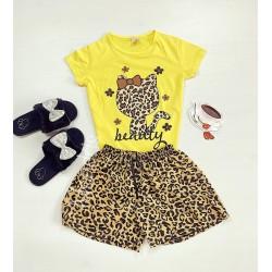 Pijama dama ieftina cu tricou galben si pantaloni scurti cu imprimeu HK animal print