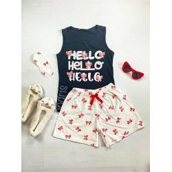 Pijama dama ieftina bumbac cu pantaloni scurti albi si maieu negru cu imprimeu Hello