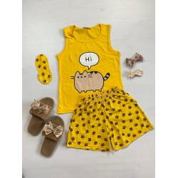 Pijama dama ieftina bumbac cu pantaloni scurti galbeni si maieu galben cu imprimeu Hi