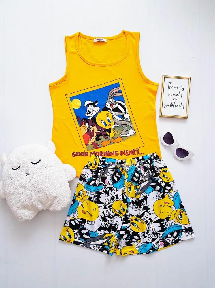 Pijama dama ieftina din bumbac cu maieu galben si pantaloni scurti albi cu imprimeu TW Friends