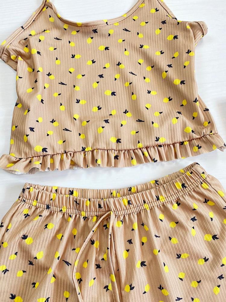Pijama dama bej ieftina scurta cu maieu cu volanase si imprimeu Lemon