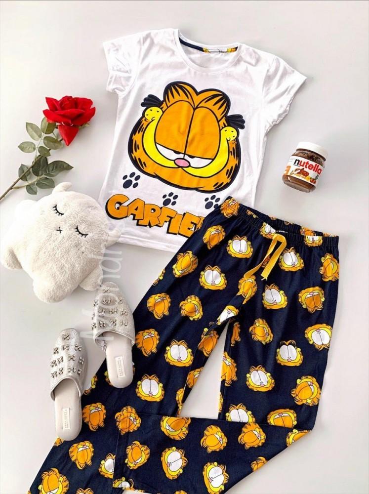 Pijama dama ieftina din bumbac lunga cu pantaloni lungi negri si tricou alb cu imprimeu GF