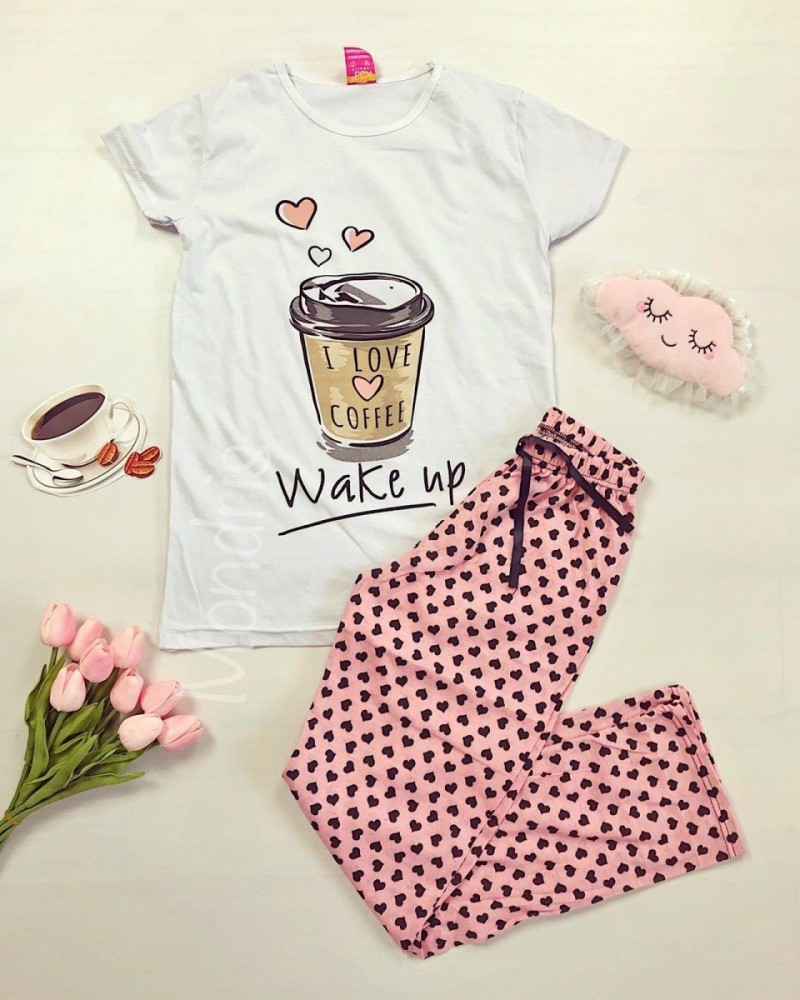 Pijama dama ieftina primavara-vara cu tricou alb si pantaloni lungi roz cu imprimeu Coffee