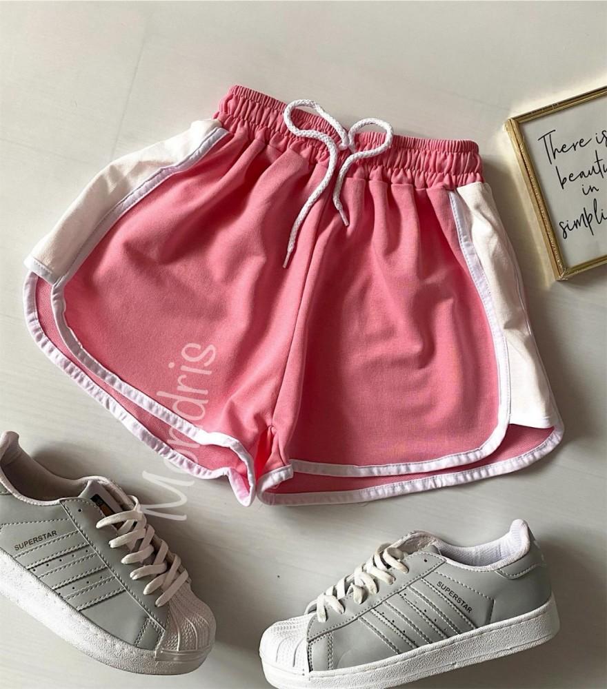 Pantaloni dama scurti sport roz cu dungi laterale albe