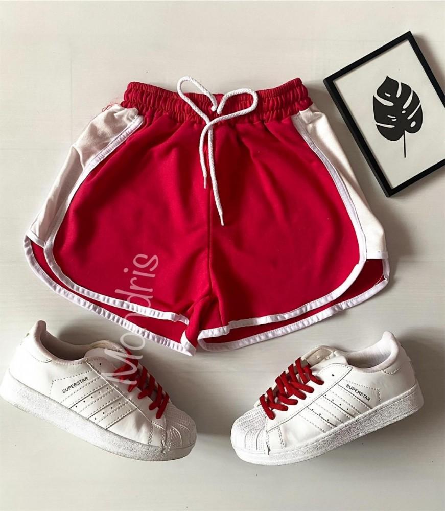 Pantaloni dama scurti sport rosii cu dungi laterale albe