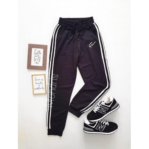 Pantaloni dama casual negri tip jogger cu dungi laterale albe si imprimeu G