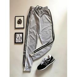 Pantaloni dama casual gri tip jogger cu dungi laterale negre si imprimeu YES