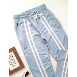 Pantaloni dama ieftini tip jogger albastru deschis cu dungi pe mijloc