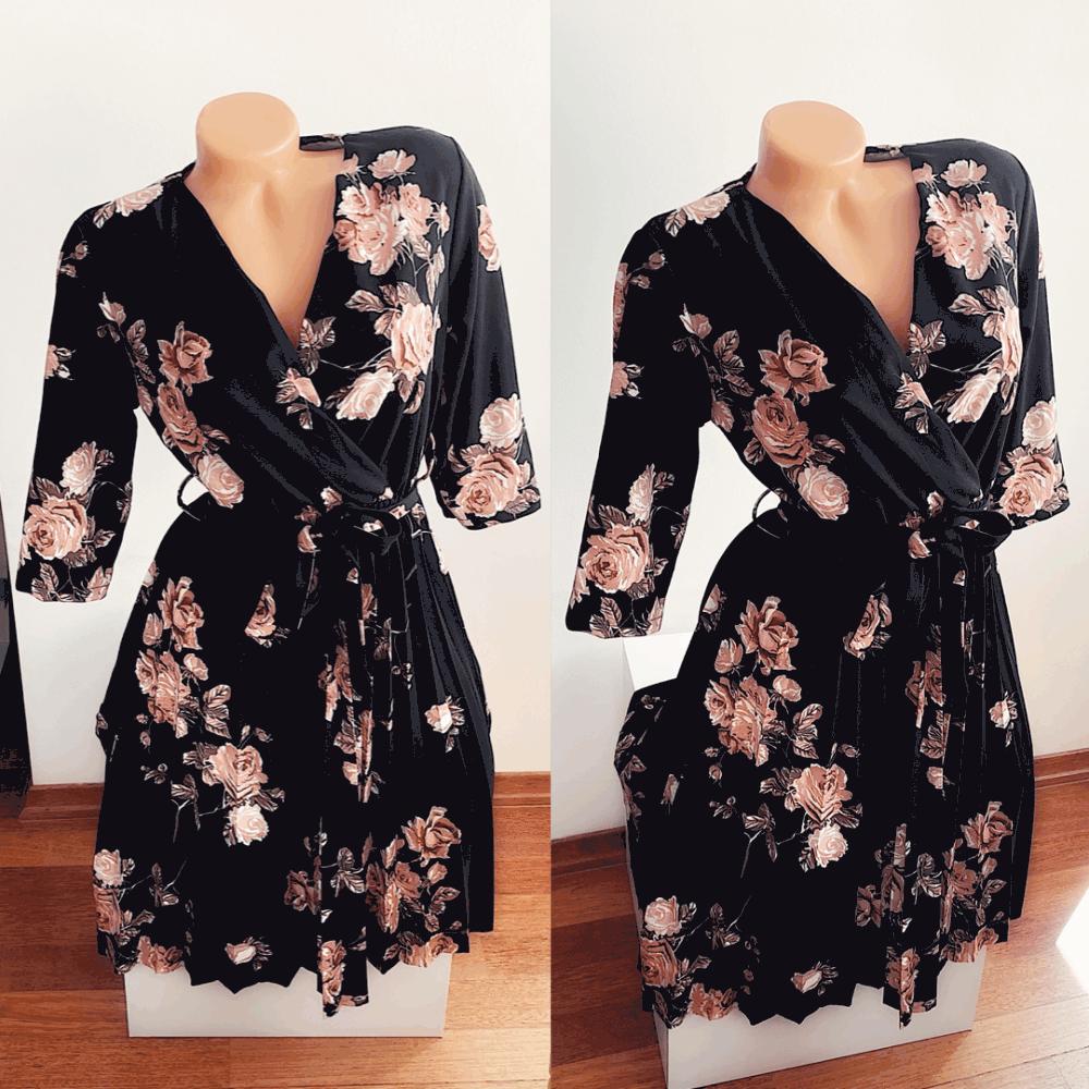 Rochie eleganta ieftina plisata neagra cu imprimeu floral si maneci trei sferturi