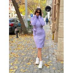 Rochie ieftina scurta din tricot lila cu guler inalt si model impletit