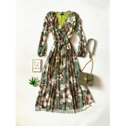 Rochie dama ieftina verde deschis de zi scurta lejera cu pliuri si imprimeu flori