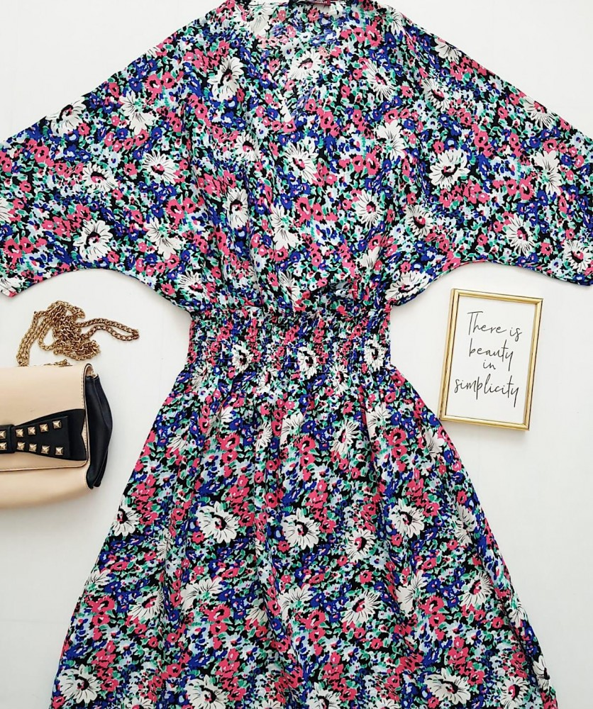 Rochie de zi ieftina albastra cu imprimeu floral si elastic lat in talie