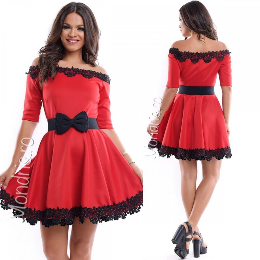 Rochie de ocazie scurta cloche rosie cu broderie neagra