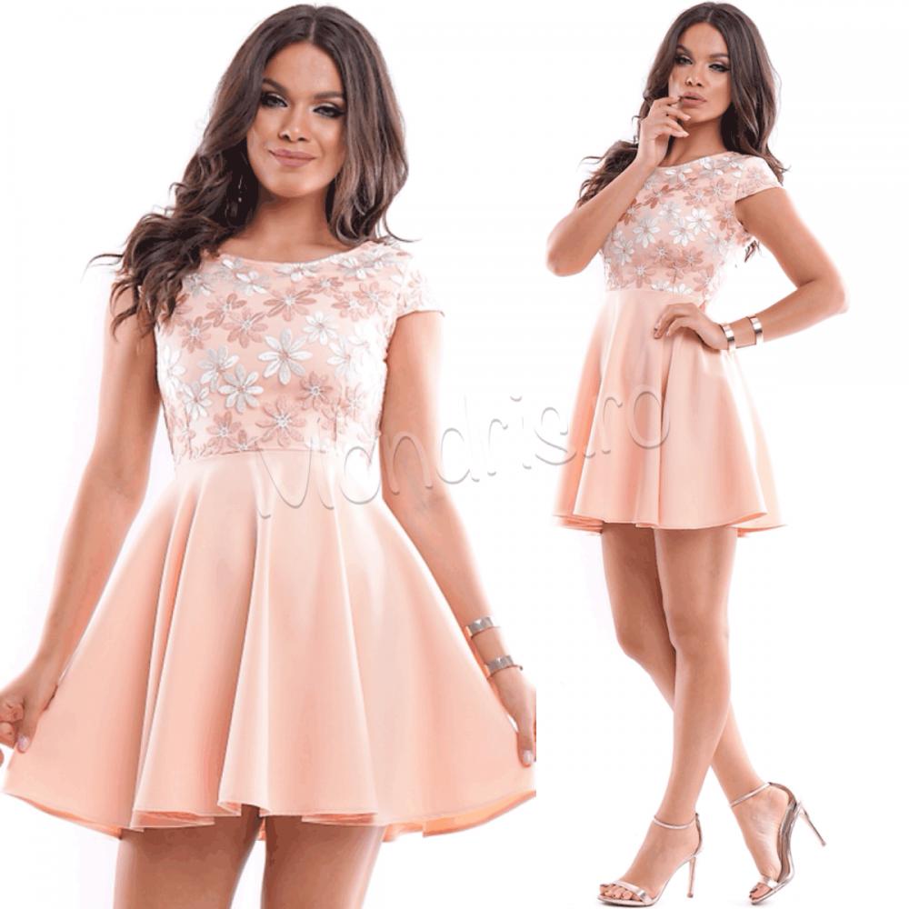 Rochie de ocazie scurta portocalie deschis cu corset brodat cu flori