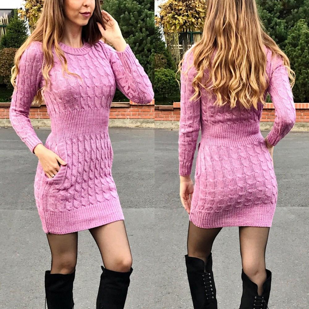 Rochie de zi groasa din tricot roz deschis cu maneca lunga si model