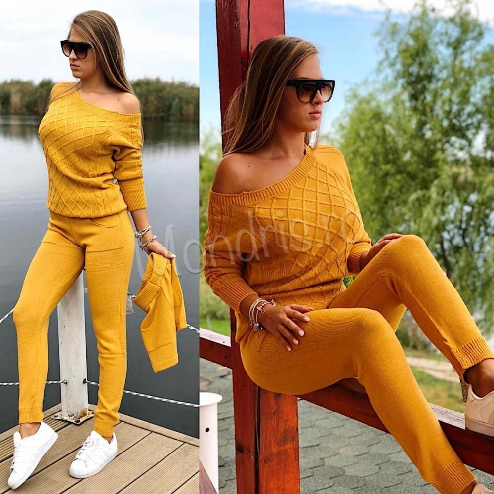 Trening dama din tricot galben format din trei piese