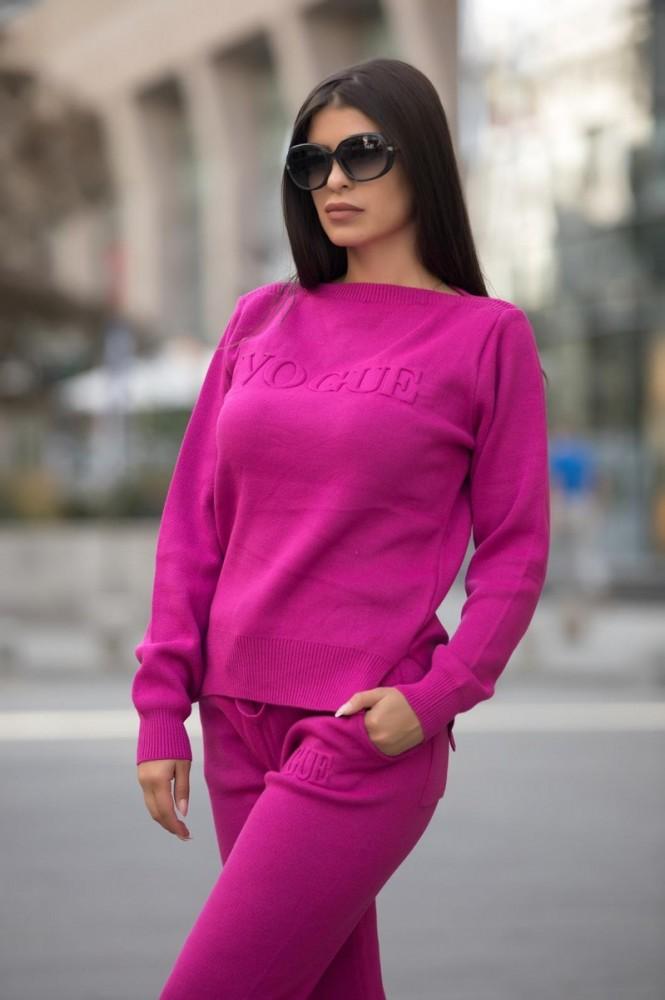 Trening dama din tricot gros fuchsia cu inscriptie 3D VOGUE
