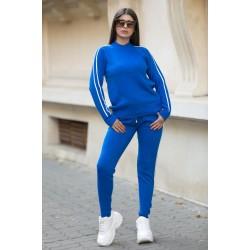 Trening dama lung din tricot albastru cu dungi subtiri albe