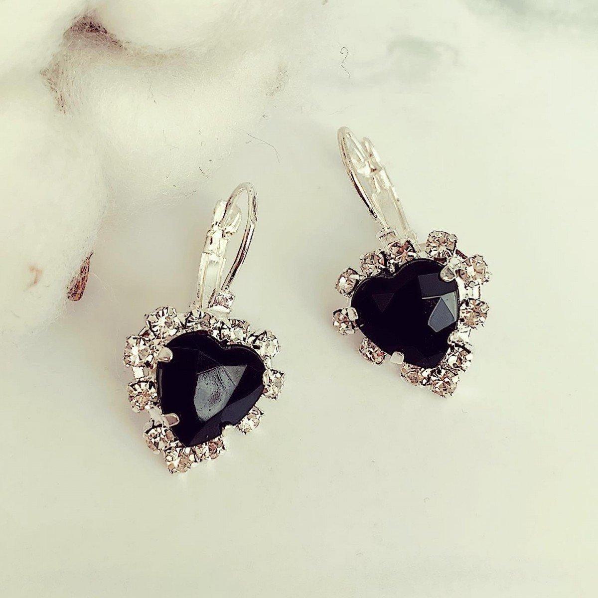 Cercei dama argintii cu pietricica neagra in forma de inima