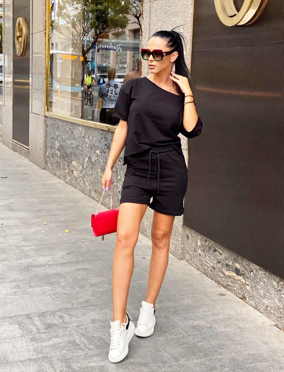 Compleu dama ieftin din bumbac negru compus din pantaloni scurti si tricou cu un umar gol