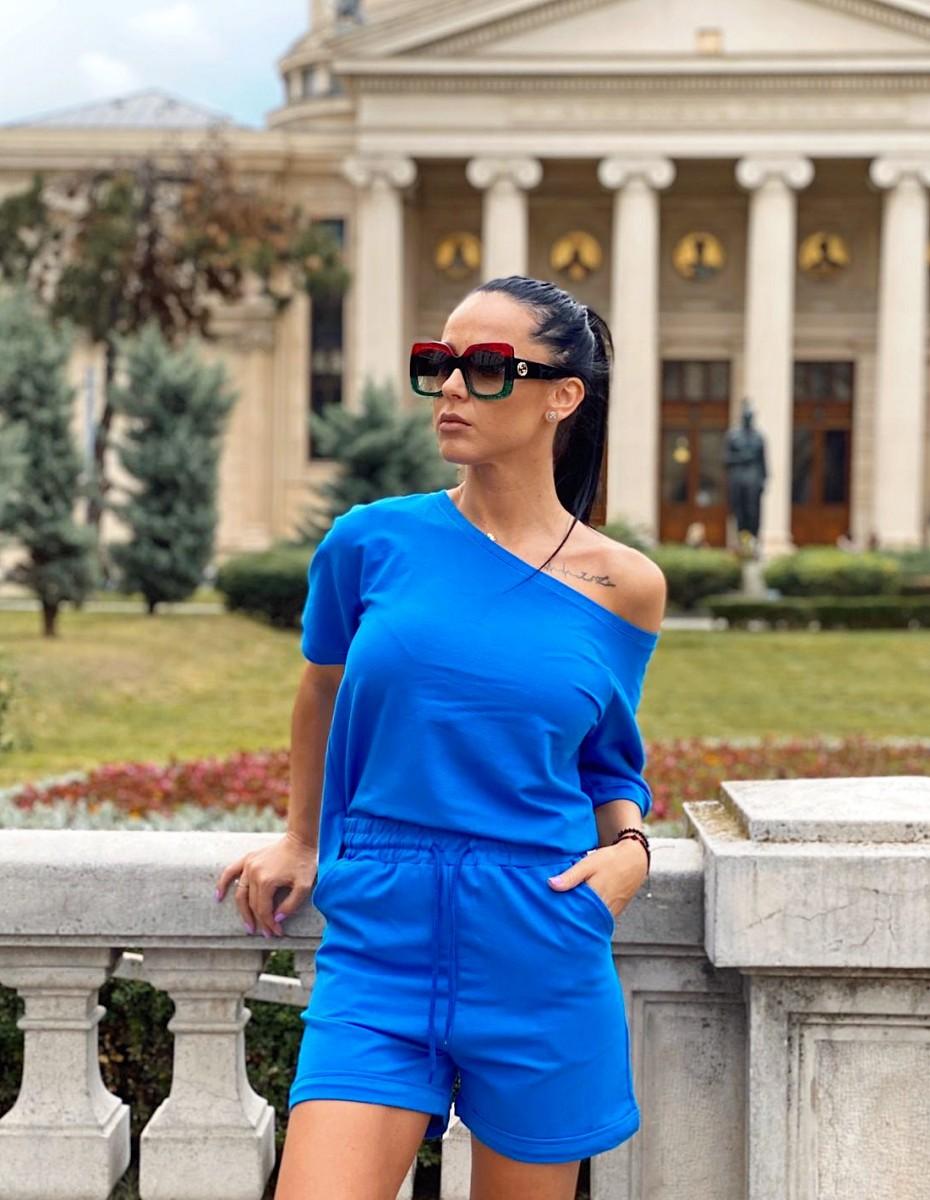 Compleu dama ieftin din bumbac albastru compus din pantaloni scurti si tricou cu un umar gol