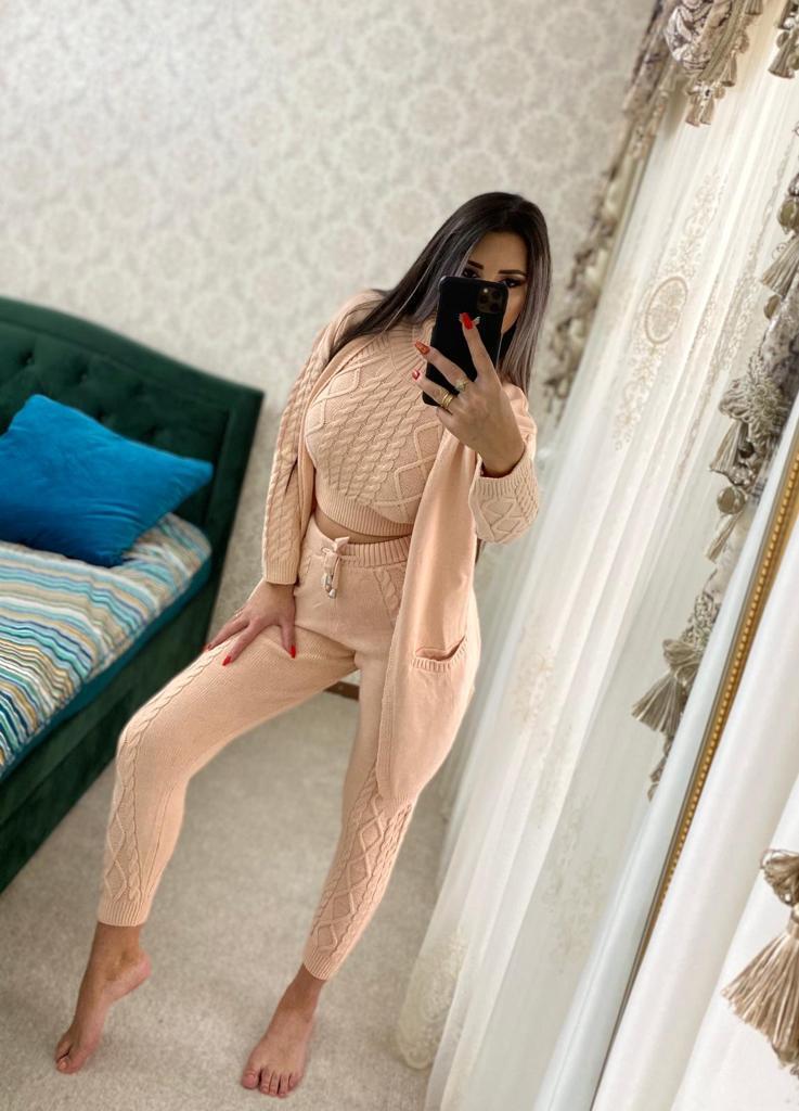 Trening dama 4 piese cardigan + pantaloni + maieu + body din tricot roz